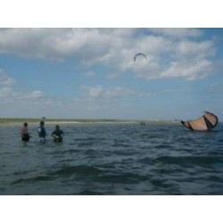 Group Kiteboarding Lesson: 3 Hours